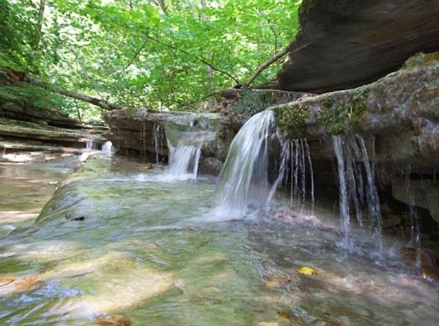 pshada-ekskursiya-vodopady